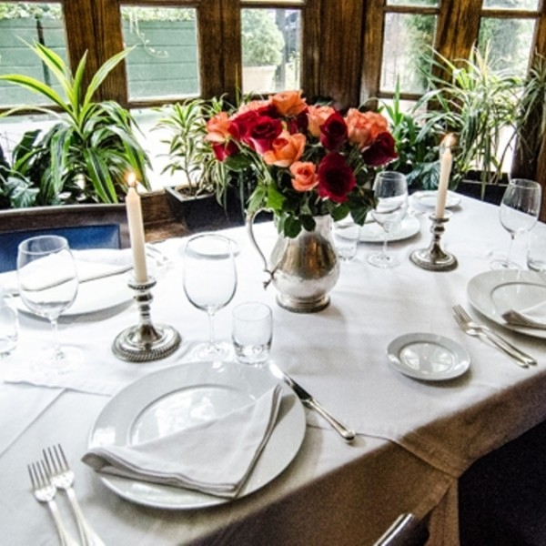 Merlo on Maple Chicago private room, garden bay window table, romantic restaurant, romantic table